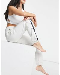 Abercrombie & Fitch Classic Side Logo jogger - White