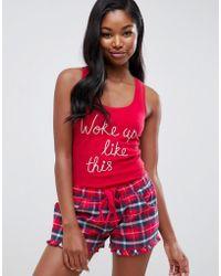 Boux Avenue Pijama de pantalones cortos y camiseta sin mangas a cuadros con eslogan Woke Up Like This de - Rojo