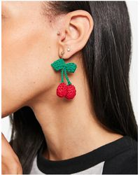 Monki Eira - Boucles d'oreilles cerises en maille au crochet - Rouge