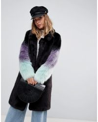 Urbancode Lang geschnittener Mantel mit Kunstpelzärmeln und Farbverlauf - Schwarz