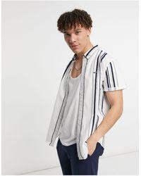 Hollister – Kurzärmliges, gestreiftes Hemd - Weiß