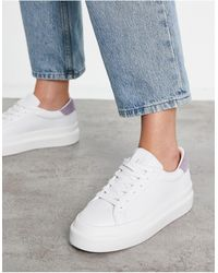 Pull&Bear Flatform Trainers With Lilac Back Tab - White