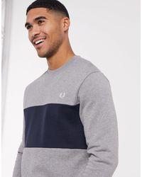 Fred Perry – es Sweatshirt mit Rundhalsausschnitt und Farbblockdesign - Grau