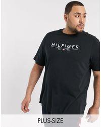 Tommy Hilfiger Camiseta negra con logo en el pecho - Negro