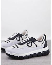 Love Moschino Белые Спортивные Кроссовки На Платформе С Черной Отделкой И Логотипом -белый
