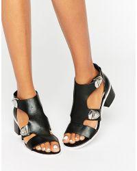 E8 - Salma Black Buckle Detail Sandals - Black - Lyst
