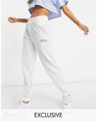 Fila In esclusiva per ASOS - - Joggers oversize bianchi con logo piccolo - Bianco