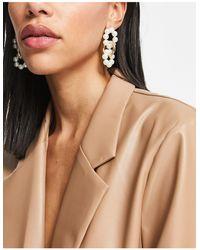 Vero Moda Pearl And Gold Interlink Drop Earrings - Metallic