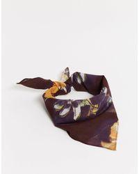 ASOS – Bandana mit dunklem Blumendruck - Schwarz