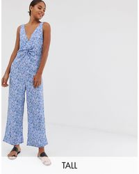 Y.A.S – Bedruckter Jumpsuit mit V-Ausschnitt und Hosenrock - Blau