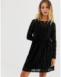 ONLY - Flikka Niella Burnout Velvet Shift Dress - Lyst