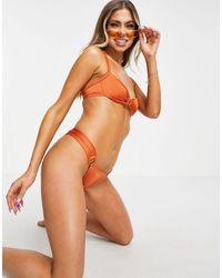 Free Society Top bikini con ferretto e dettaglio con anello color ruggine metallico - Multicolore