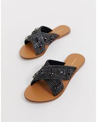 PrettyLittleThing Flat Sandals With Embellishment - Black