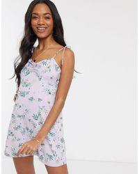 Vero Moda – Minikleid mit Blümchenmuster und Bindeträgern - Mehrfarbig