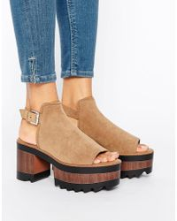 Pull&Bear - Faux Suede Wooden Heeled Sandals - Lyst
