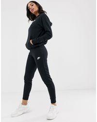 Nike – Essentials – Schmal geschnittene Jogginghose - Schwarz