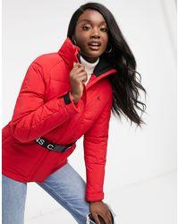 Calvin Klein – Wattierte Jacke mit Gürtel - Rot