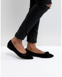9a96253dd3 Glamorous Black Chunky Flat Shoes With Gold Lion Trim in Black - Lyst