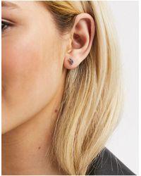 Kingsley Ryan 6mm Single Piercing Leaf Stud Earring - Metallic