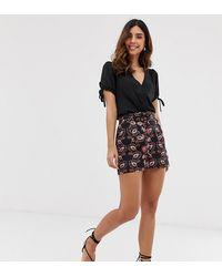 Vero Moda – Shorts mit Paisleymuster und Gürtel - Schwarz