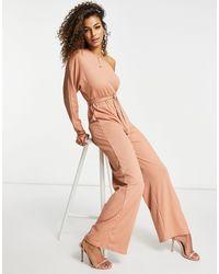 Club L London Club L – Gerippter Jumpsuit im One-Shoulder-Design - Pink