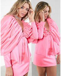 ASOS – Mini-Satinkleid mit extrem betonter Schulterpartie - Pink