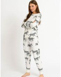Chelsea Peers Pigiama lungo con top con rever e pantaloni - Multicolore