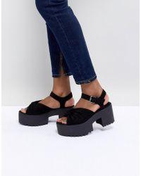 Pull&Bear Twist Front Chunky Platform Sandal - Black