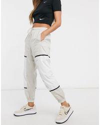 Nike Color Block Woven sweatpants - White
