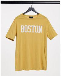 """New Look Boston - T-shirt oversize color senape con scritta """"Boston"""" stile college - Giallo"""