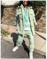 Missguided Шалфейно-зеленая Удлиненная Куртка Из Искусственного Меха -зеленый