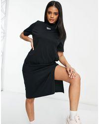 Reebok Vestito camicia con logo piccolo centrale, colore nero
