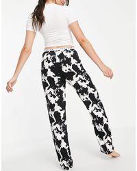 TOPSHOP Completo pigiama con stampa pezzata nero e bianco - Multicolore