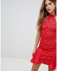 AX Paris Короткое Приталенное Платье С Кружевом И Высоким Воротом -красный