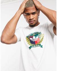 adidas Originals T-shirt With Collegiate Crest - White
