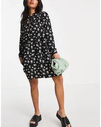 Vero Moda – Mini-Hängerkleid mit schwarzem Blümchenmuster