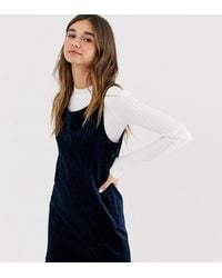 Monki - Robe droite courte sans manches en velours côtelé - Bleu marine - Lyst