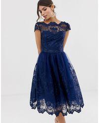 Chi Chi London Темно-синее Кружевное Платье Миди Премиум-качества С Короткими Рукавами -темно-синий