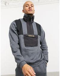 adidas Originals – Adventure – Fleece-Pullover mit kurzem Reißverschluss - Grau
