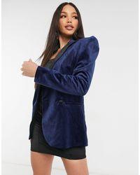 ASOS – Anzugblazer aus Samt mit betonter Schulterpartie - Blau