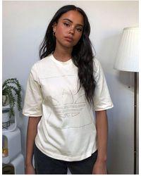 adidas Originals – Fakten – es T-Shirt mit strassverziertem Dreiblatt-Logo - Weiß