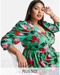 Simply Be Blusa verde con estampado floral y mangas fruncidas