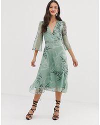 Liquorish - Vestido midi con estampado de hojas - Lyst