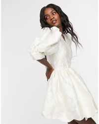 Sister Jane Vestido corto cruzado con mangas abullonadas y bajo festoneado - Blanco