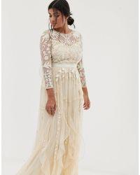 Amelia Rose Vestido largo con volante vintage y adorno barroco suave en crema - Neutro