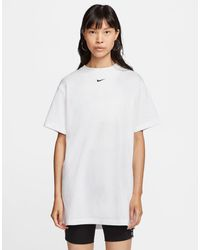 Nike Oversized Boyfriend T-shirt Met Mini-swoosh - Wit
