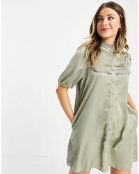 Lola May Шалфейное Атласное Платье Мини С Высоким Воротом -зеленый Цвет