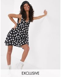 Another Reason Mini Smock Dress With Daisy Print-black