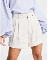 Abercrombie & Fitch – Bundfalten-Shorts - Weiß
