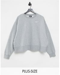 Nike Plus – Oversize-Sweatshirt mit kleinem Swoosh-Logo - Grau